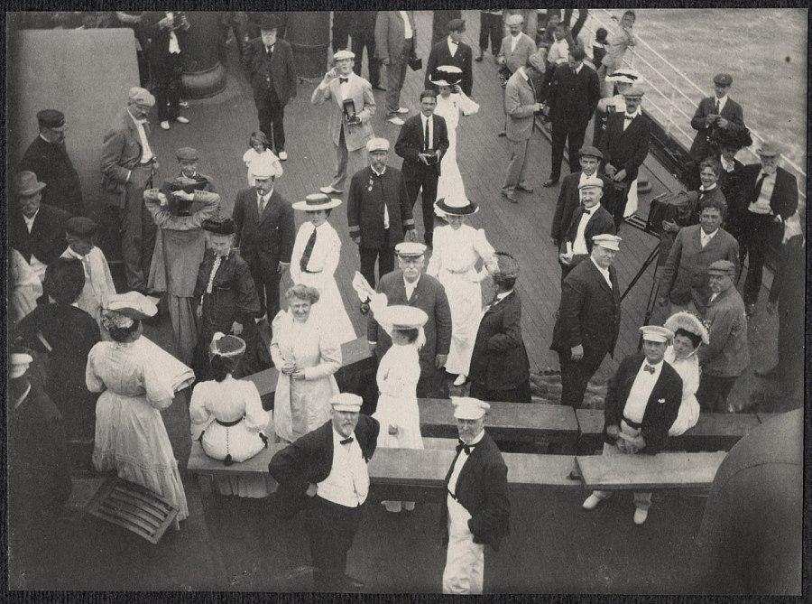 테프트-가츠라밀약을 체결한 테프트일행이 조선에 도착하여 Alice Roosevelt 와 그녀의 약혼자 롱 월스 하원의원3.jpg
