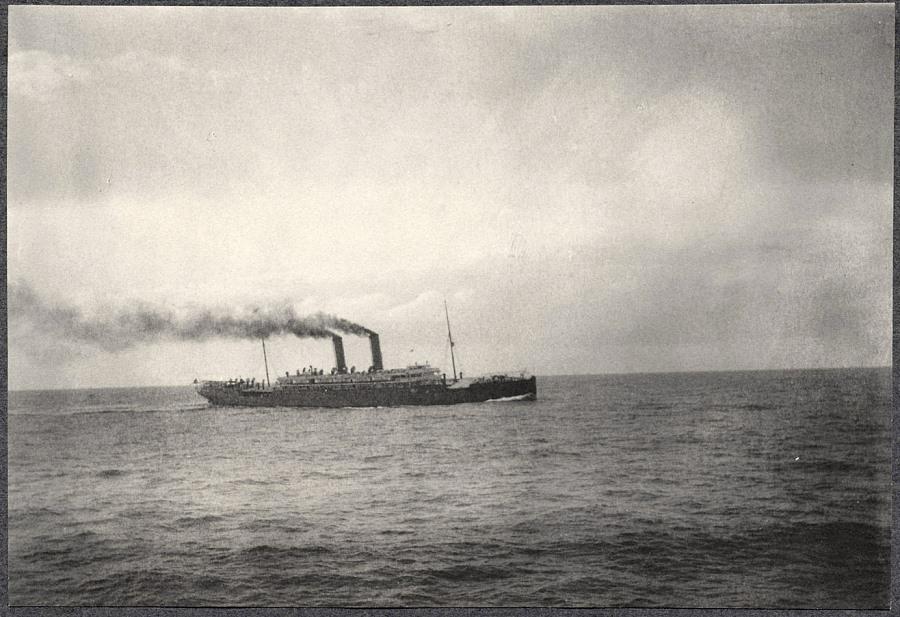 테프트-가츠라밀약을 체결한 테프트일행이 조선에 도착하여 Alice Roosevelt 와 그녀의 약혼자 롱 월스 하원의원4.jpg