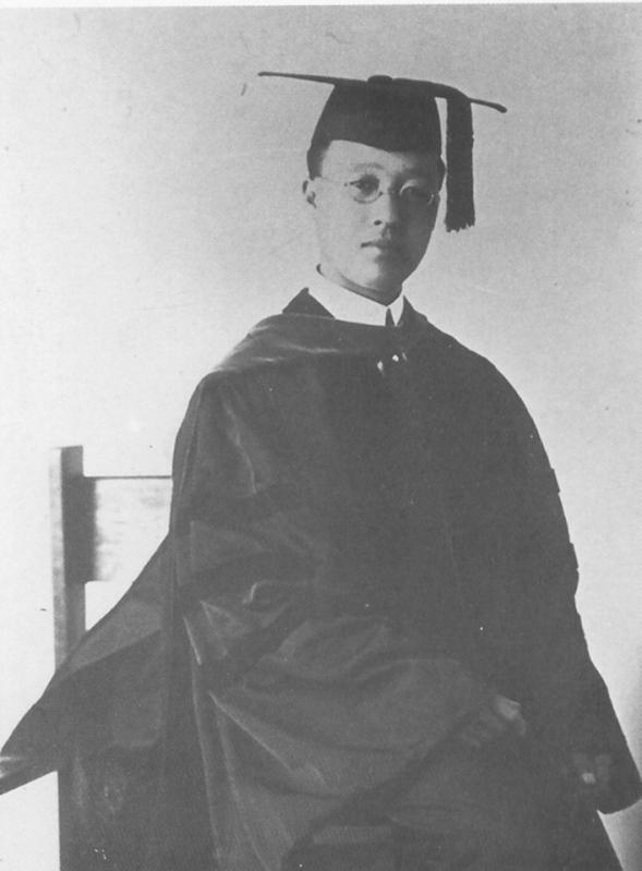 프린스턴대학교에서 한민족 사상 최초로 서양학에서 박사학위를 받은 이승만박사의 모습.jpg